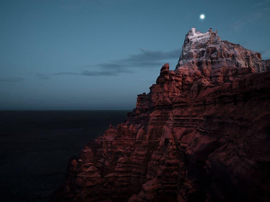 mountain halo drone light